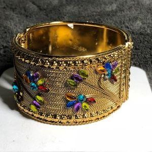 Jewelry - VTG Golden Mesh Hinge Cuff Bracelet w/Rhinestones